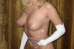 mature_blondy